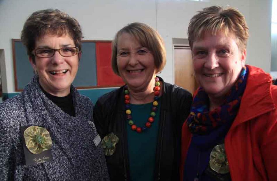 Judy Fulton, of Dunedin, Claire Jelgersma, (CRRT) of Oamaru, and Allison Gibb, of Oamaru.