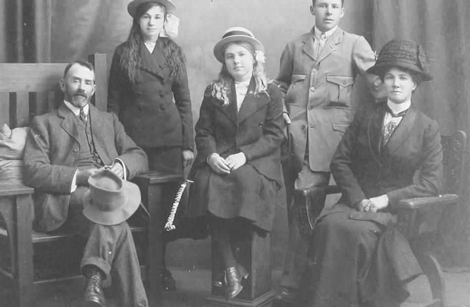 Leonard and Alice Maud Rimstone (nee Bond) and family. Alice was the eldest daughter of Rebecca...