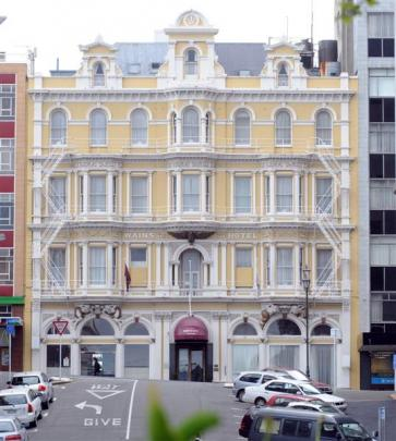 The former Wains (1878) now Mercure. Photo by Peter McIntosh.