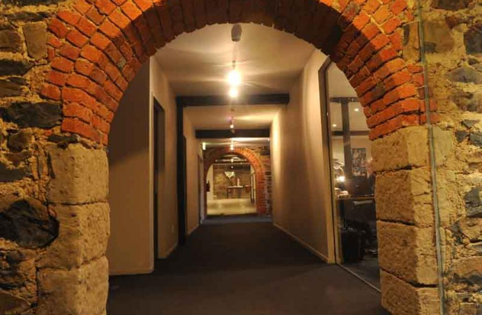 Clarion Building tunnel leads to High St.