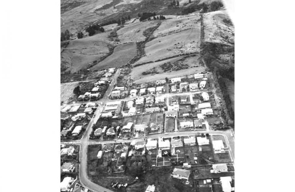 The upper part of the suburb prior to the 1979 slip.