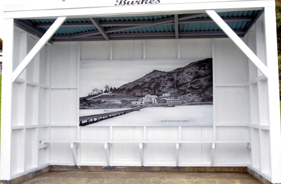 A new mural at the Burkes bus stop replaces an artwork by 