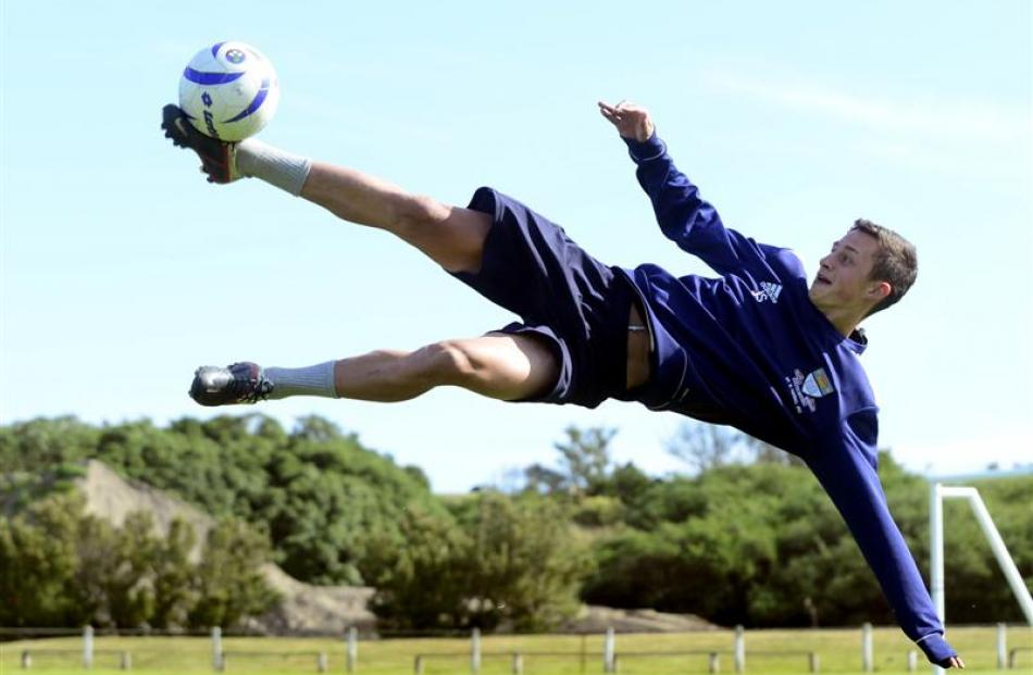 Joel Stevens shows his scoring style at training at Tahuna Park. Photo by Peter McIntosh.