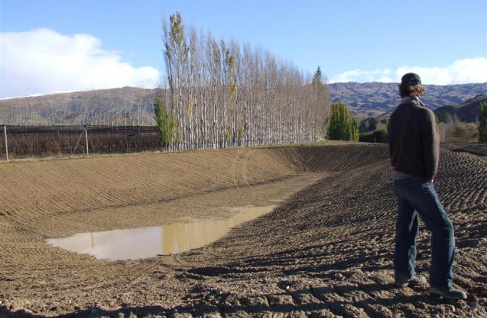 A new dam is being constructed at McIntosh Orchard and it will utilise water from the Earnscleugh...