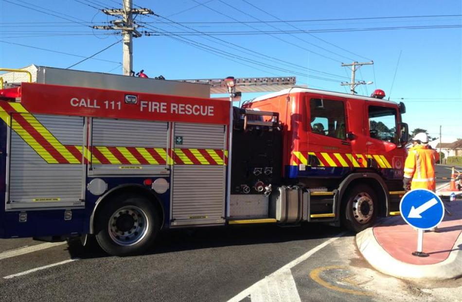 A St Kilda station fire engine fails to negotiate the newly modified intersection of Hargest Cres...