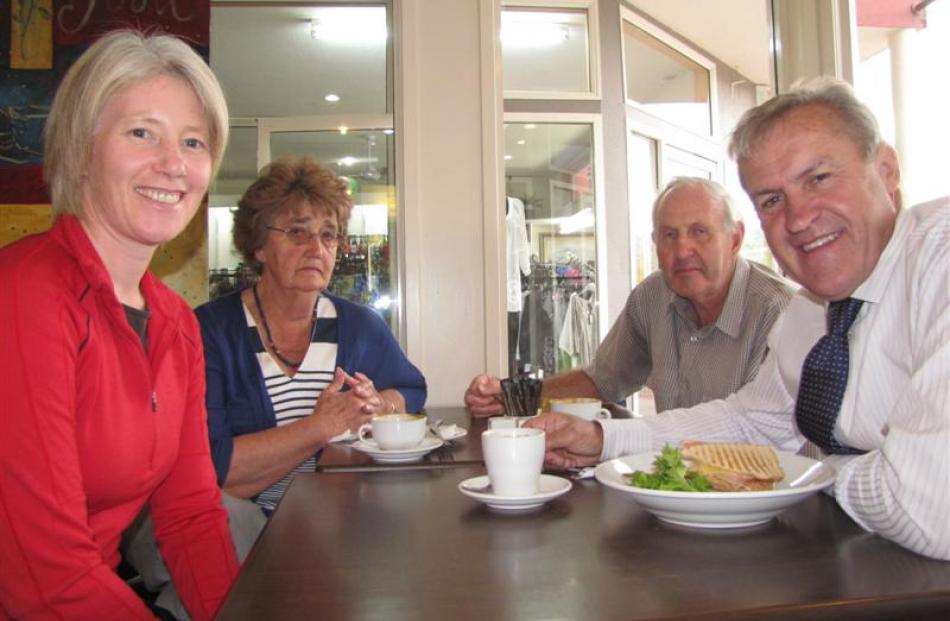 Agriculture Minister David Carter (right) dines with Cromwell voters Jackie Hamilton (left) and...