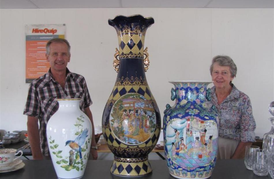 Alexandra Rotary President Brian Fitzgerald and Dunstan Lions Club member Mary Boyd organise some...