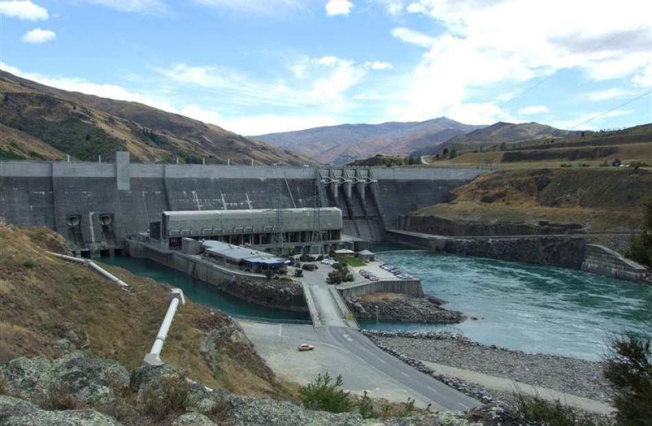 Clyde dam owner Contact Energy reports lower-than-expected profit. Photo by Lynda van Kempen.