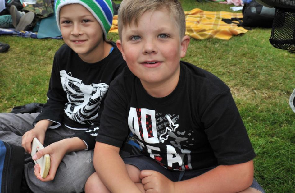 Cobi Hanley (9) and Peter Blaikie (9), both of Dunedin.