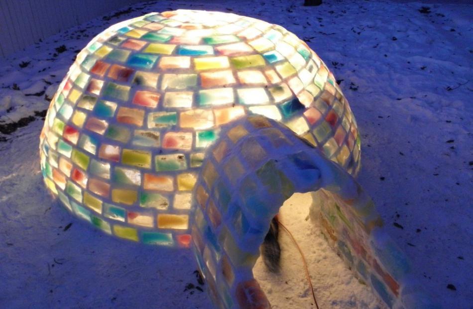 Daniel Gray's igloo. Photo imgur