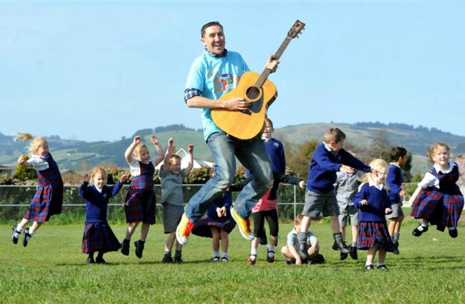 Dean ''Mr Yipadee'' O'Brien returns to his former St Mary's School this week to play for pupils ...