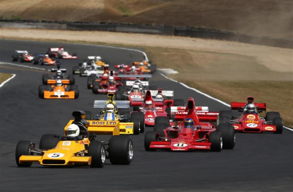Dunedin driver Steve Ross leads the field during the fifth round of the F5000 Tasman Cup Revival...