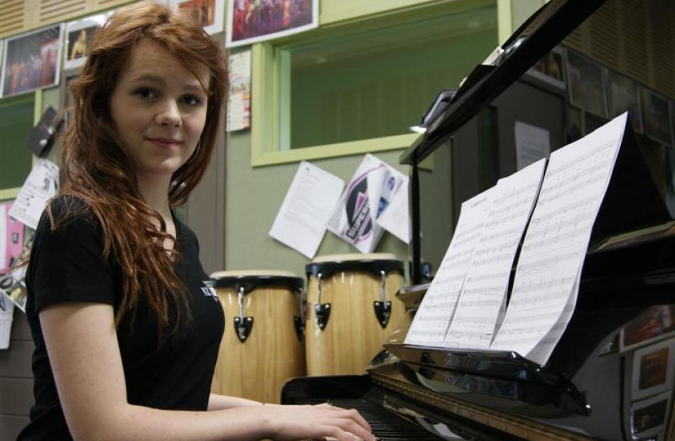 Dunstan High School soprano Lauren Ross. Photo by Sarah Maruqet.