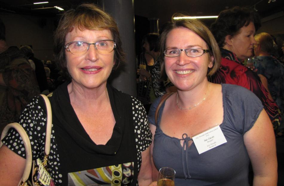 Eleanor Wilson of Balfour, and Sue Lucas of Mosgiel.