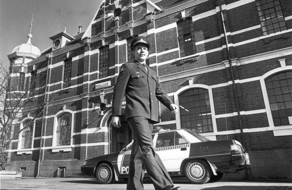 Inspector Dave Campbell outside the then central police station, Lower High St, in 1994.