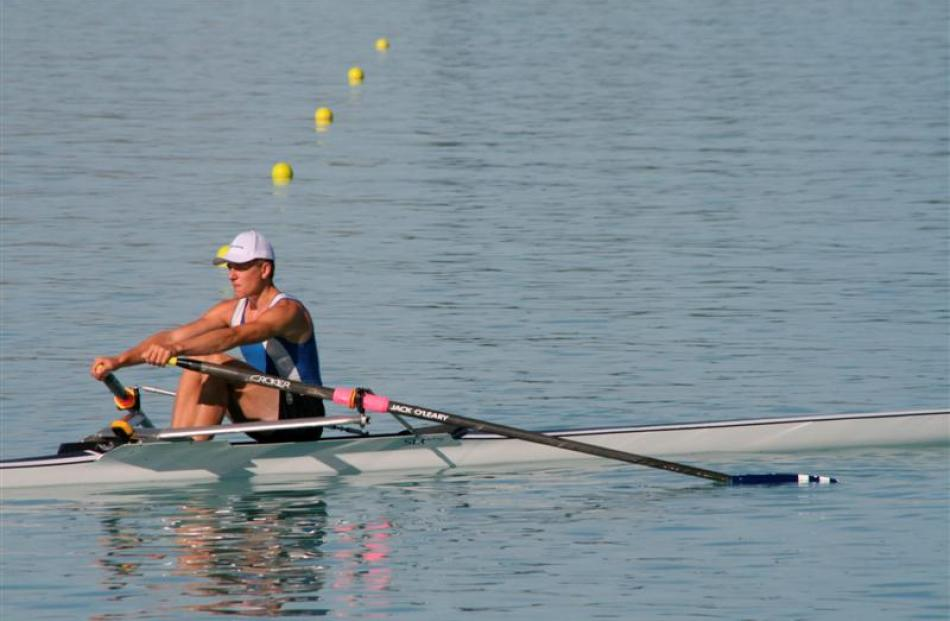 Jack O'Leary (Otago) qualifies for final of club single sculls.