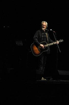 Kris Kristofferson performs at the Dunedin Town Hall last night.