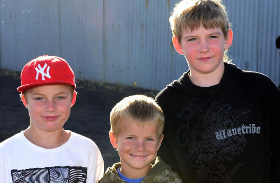 Liam (8) and Bailey (6) Ruthven, of Dunedin, and Ethyn Shanks (9), of Gore.