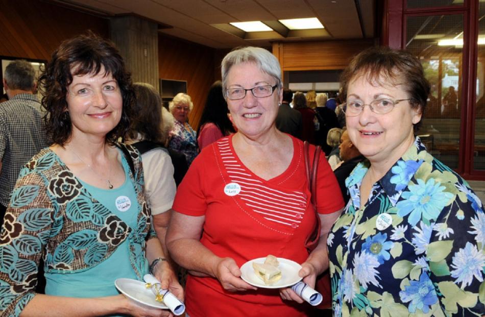 Netta Rosenberg, Lois Little and Shirley Woodrow, all of Dunedin.