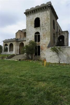 New  structures registered by the Historic Places Trust are: Cargill's Castle, St Clair. Photos...