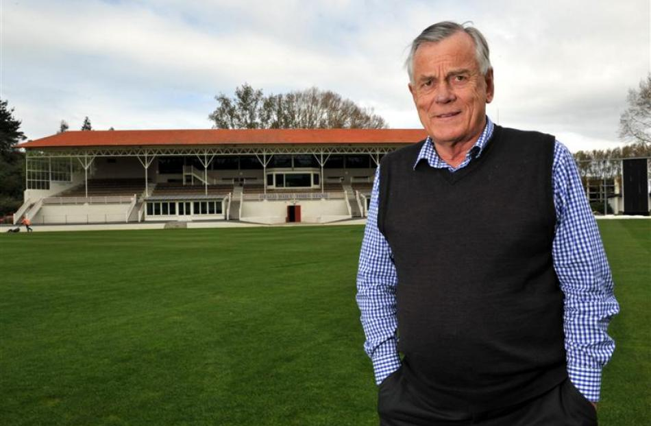 Otago Cricket Association chief executive Ross Dykes will retire at the end of  his 10th season....