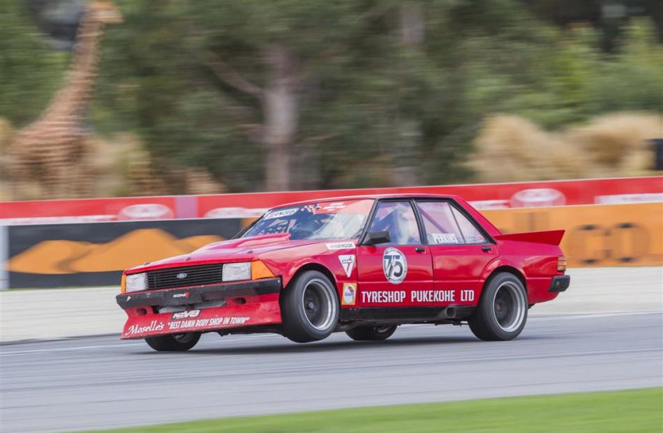 Motorsport Perkins Falcon To Fore In Central Muscle Cars Races