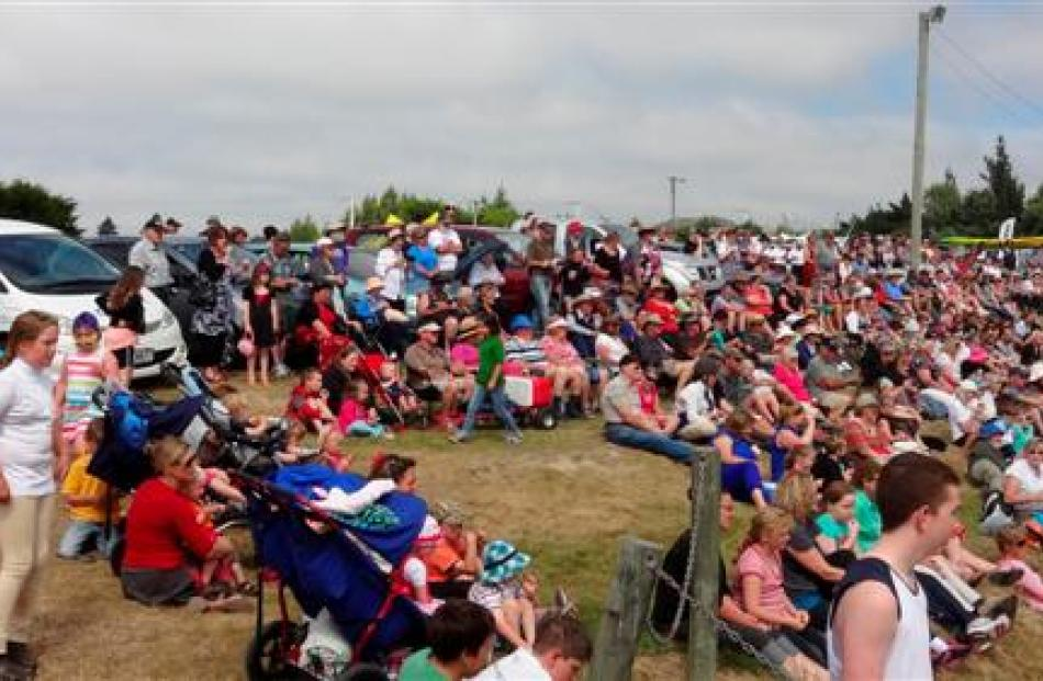 Some of the crowd of more than 2500 who watched the twins' performance. Photos by Bill Campbell.