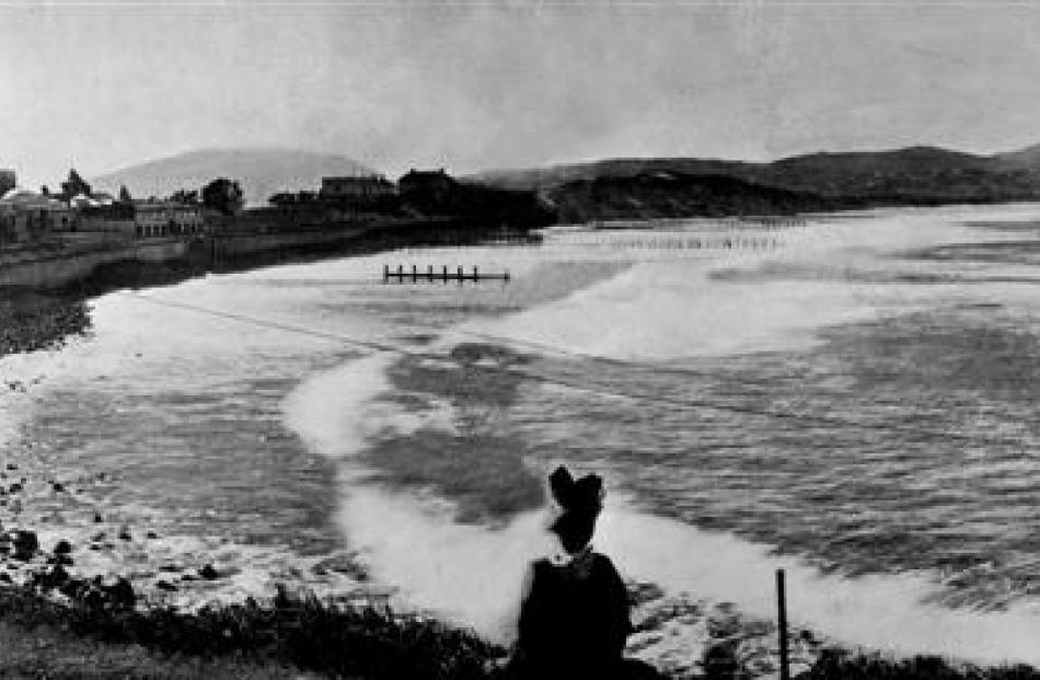 St Clair's three new double-row groynes at Easter, 1921, with the original 1902-06  groynes still...