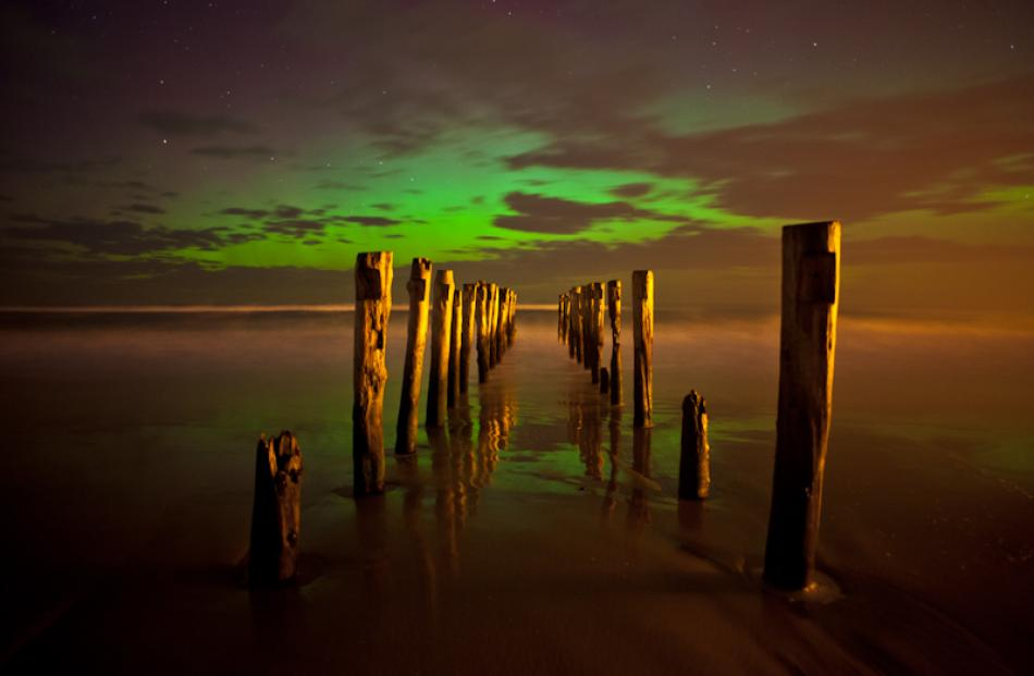 The Aurora as seen from St Clair beach last night. Photo by Simon East www.simoneast.com