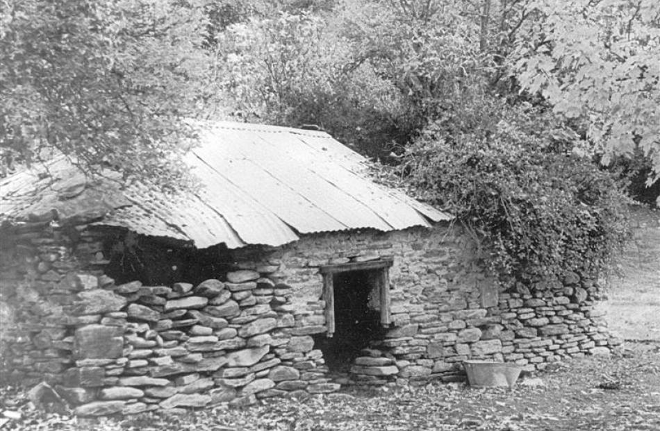 The bake house at Macetown before restoration.