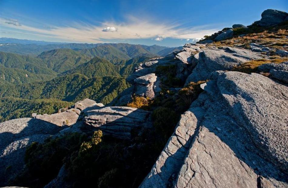 The Denniston escarpment. Photo by Rod Morris.