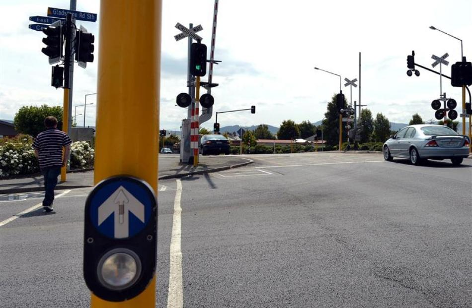 The Gladstone South/Gladstone North intersection is one of three intersections which will be ...