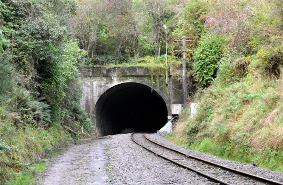 The Wingatui tunnel south portal, near Wingatui Station. Photos by Gregor Richardson.