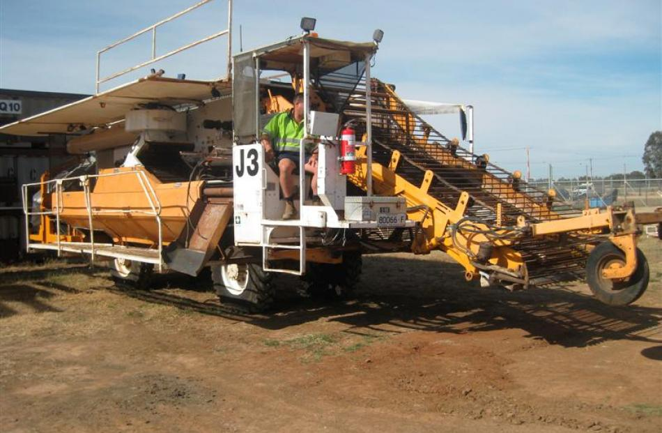 TracMap technology is installed on a tomato harvester in Australia. Photo supplied.