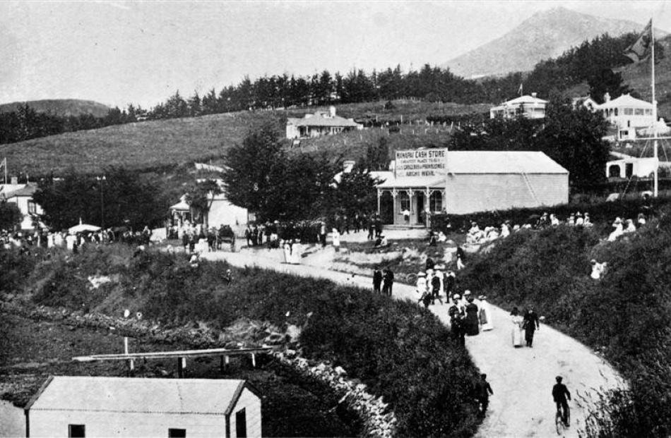 Visitors on the road near the Broad Bay store on regatta day. - Otago Witness, 8.1.1913. Copies...