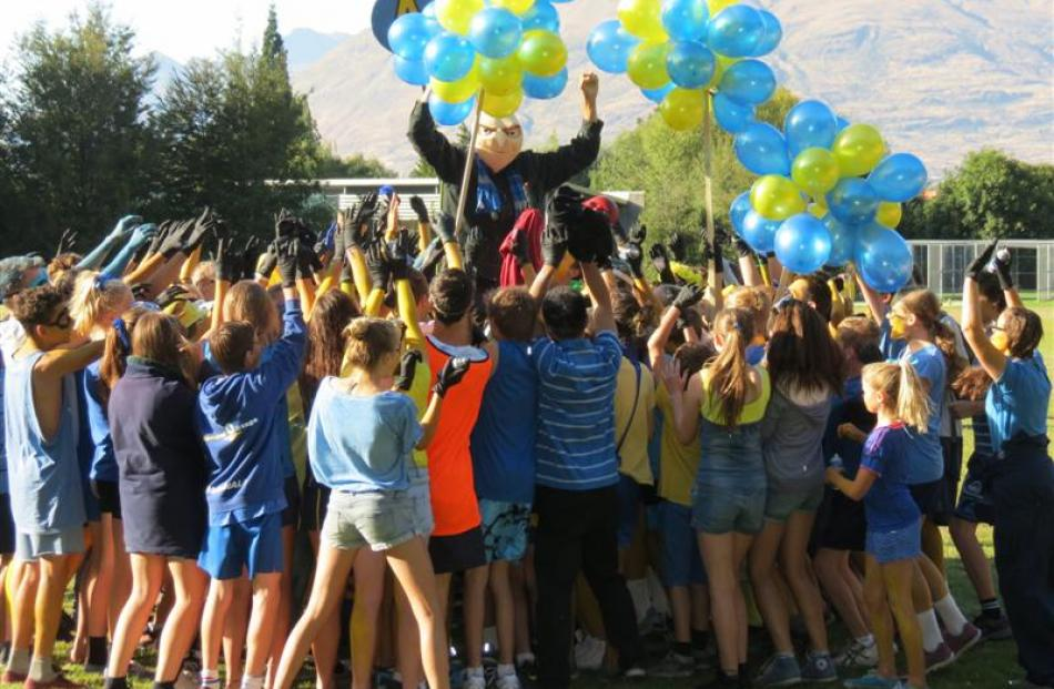 Wakatipu High School pupils in Arthur House chanted ''A-R-T-H-U-R - Arthur is the best by far''...