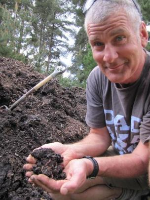 Wanaka worm farmer Lloyd Thayer gets down to earth. Photos by Marjorie Cook.