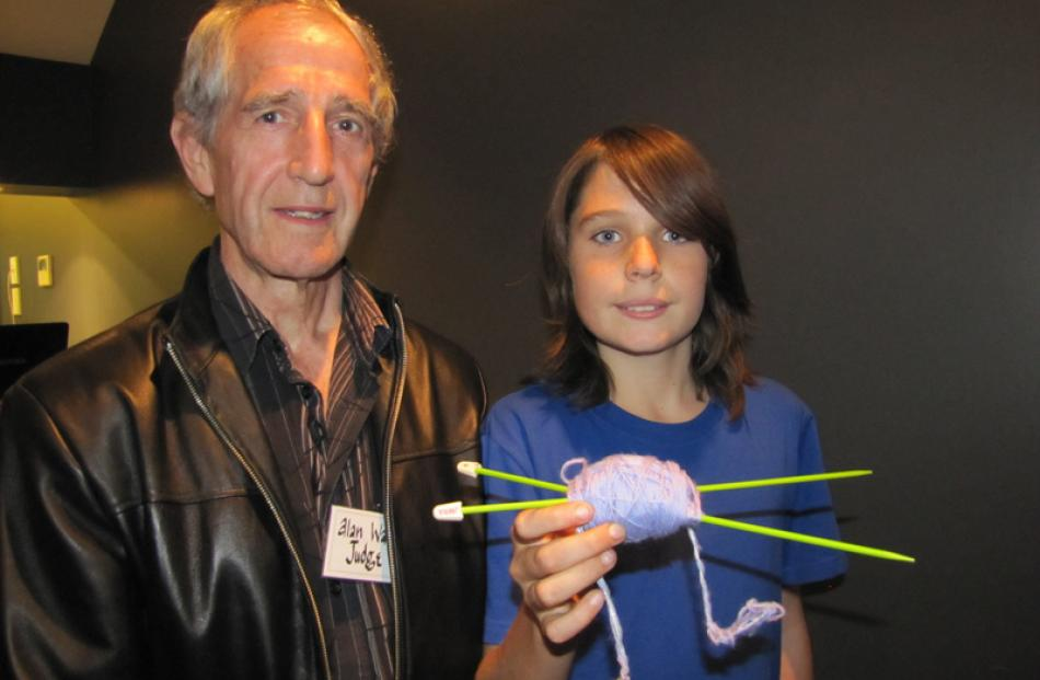 Exhibition judge Alan Waters of Bannockburn and special entry winner Tristin 