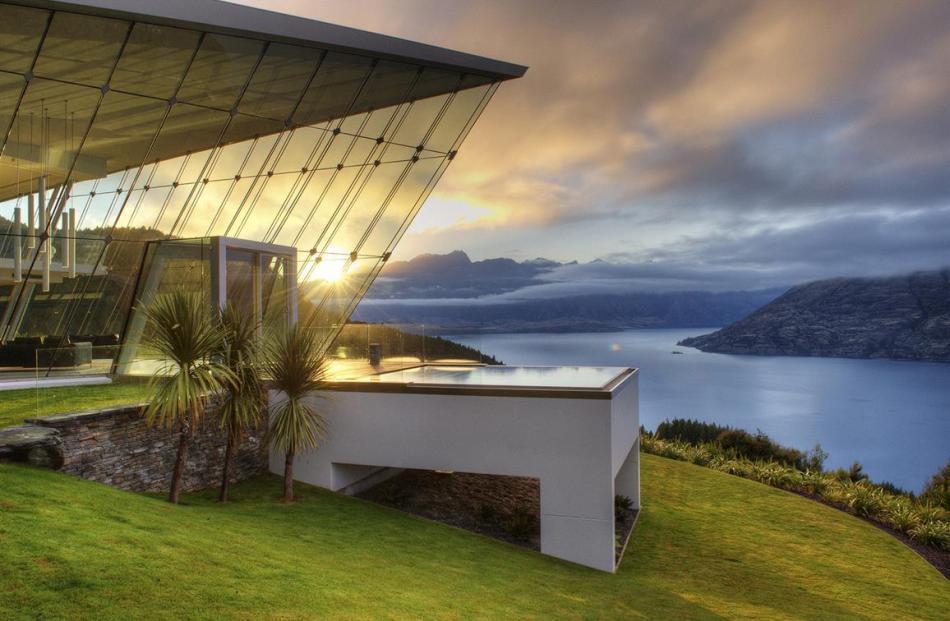 Jagged Edge. Photo from www.luxehouses.com