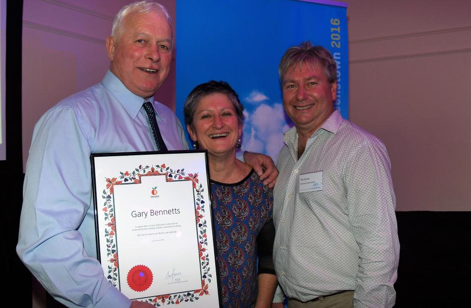 Former Summerfruit New Zealand chairman Gary Bennetts (left), chief executive Marie Dawkins and...