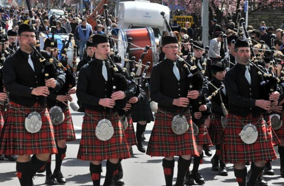 The City of  Invercargill Highland Pipe Band in action.